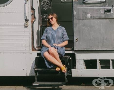 Жена ремонтира стар автобус 3 години и го превръща в уютен дом - изображение