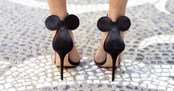 Представяме ви високите сандали с ушички, вдъхновени от Мини Маус! - изображение