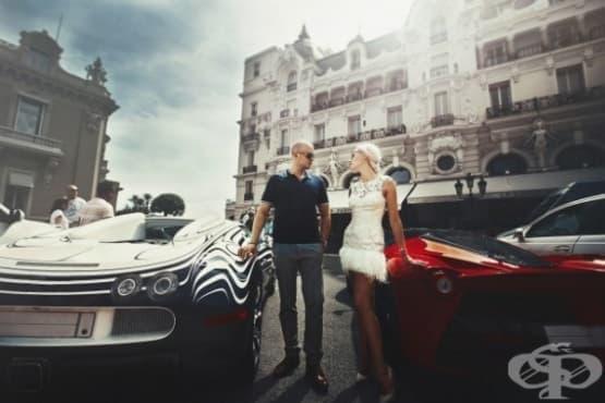 Все повече хора се правят на богати - изображение