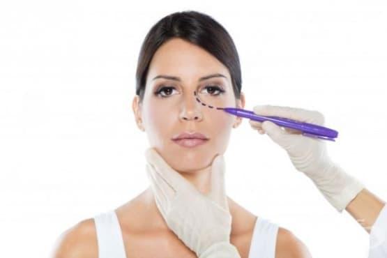 Все повече млади хора се подлагат на пластични операции - изображение