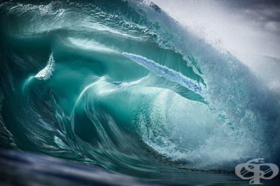 Снимки на огромни вълни, заснети около австралийския бряг - изображение
