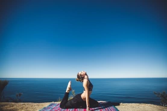 6 диви и красиви места за практикуване на йога – част 1 - изображение