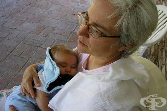 """За """"бабините деветини"""", или как да се отнасяме към опитите за намеса в грижите за бебето - изображение"""