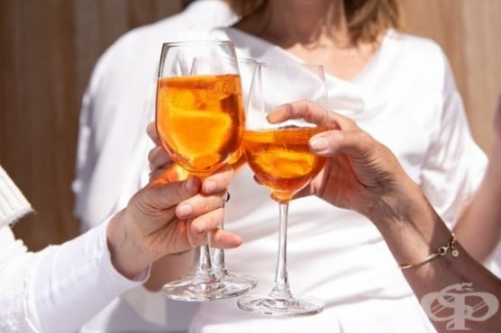 """""""Жените на моята възраст пият и това е напълно нормално"""" - изследване на алкохолизма при жените - изображение"""