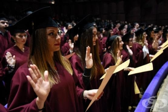 152 лекари се дипломираха в Медицинския университет във Варна - изображение