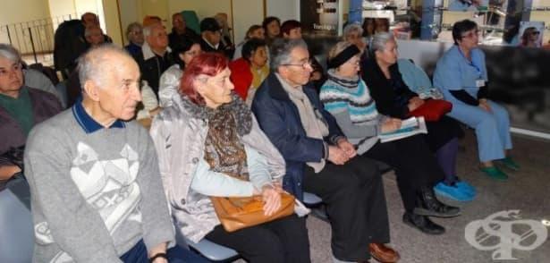 В Пловдив очни лекари ще обяснят на пациенти как протича оперативното лечение на катаракта  - изображение