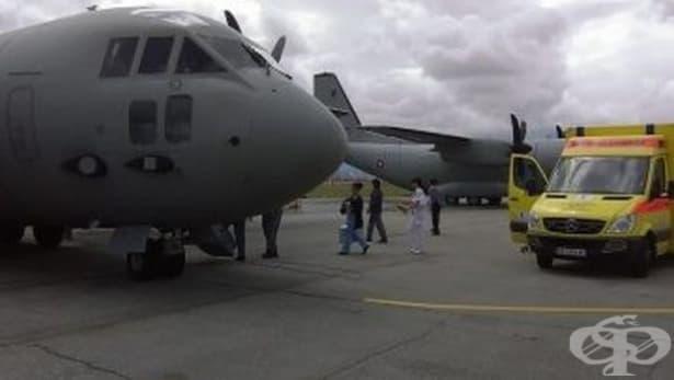 Военен самолет траспортира 4-месечно бебе за животоспасяващо лечение във Виена - изображение