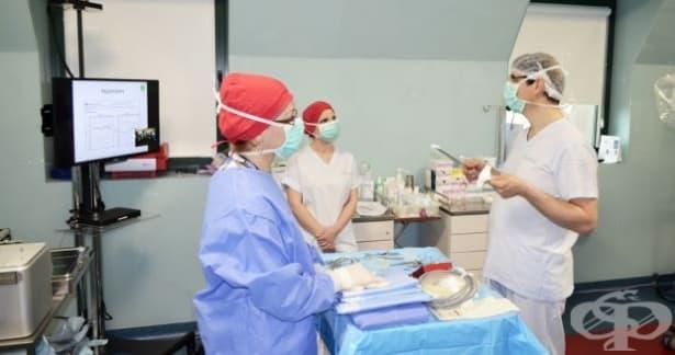 Водещи специалисти обучават пациенти и лекари за новостите в кохлеарната имплантация - изображение