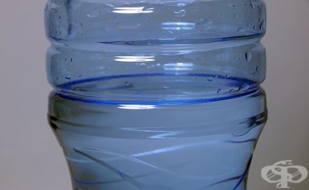 От здравното ведомство препоръчват децата в градините да не пият минерална вода - изображение