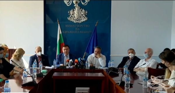 Министър Костадин Ангелов: Няма нужда мерките срещу COVID-19 да бъдат затягани - изображение