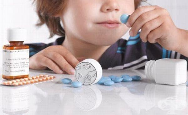 5-годишно дете се натрови с хапчета за кръвно, объркало ги с бонбони - изображение