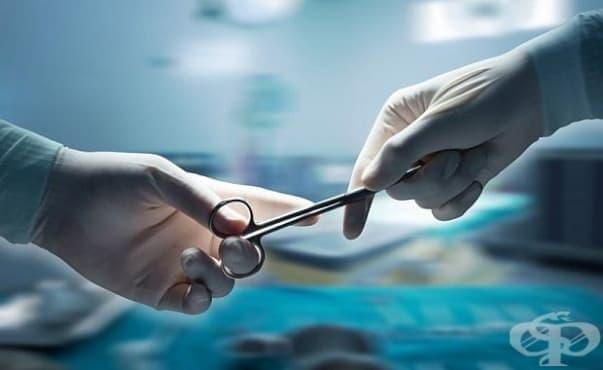 Лекари спасиха майка и бебето й чрез сложна операция - изображение