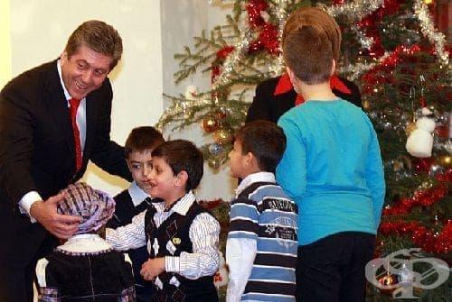 """""""Българската Коледа"""" е помогнала на 900 деца - изображение"""