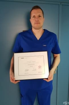 Доцент Станимир Сираков със световна диплома по неврорентгенология - изображение