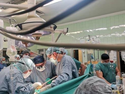 Екип на ВМА трансплантира черен дроб на 40-годишен мъж - изображение