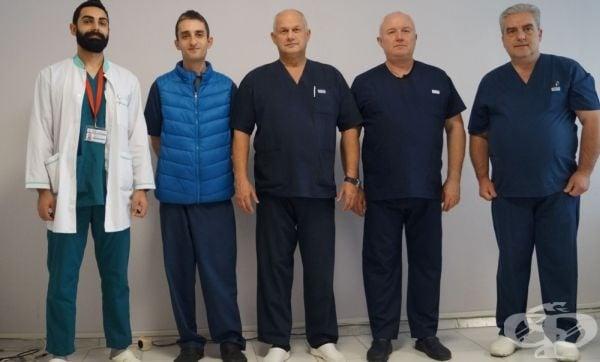 В УМБАЛ -Бургас осъществиха една от най-сложните операции в съдовата хирургия и поставиха аорто-бифеморален байпас - изображение