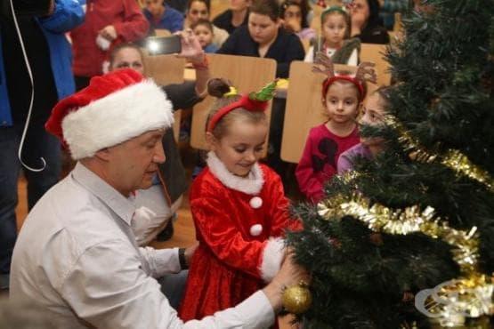 Христо Шопов и Бате Енчо веселиха дечица в СБАЛ по детски болести - изображение