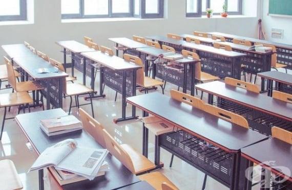 Учениците ще приключат тази учебна година дистанционно, решиха от МОН - изображение