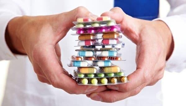 КЗК иска нов механизъм за осигуряване на лекарства, поради риска от дефицит на медикаменти на българския пазар - изображение