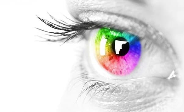 Учени разработиха контактни лещи за далтонисти - изображение