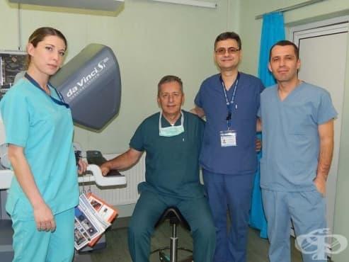 Плевенски лекари извършиха двойна и изключително рядка операция - изображение