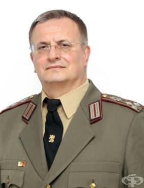 Доц. Владимир Василев е новият заместник-началник на ВМА - изображение