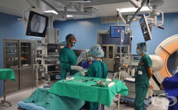 """В УМБАЛ """"Свети Георги"""" - Пловдив извършиха уникална ендоскопска операция за премахване на тумор на хипофизата - изображение"""