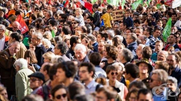 Парижани протестираха срещу нов закон за оплождането ин витро - изображение