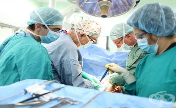 Специалисти от ВМА извършиха сложна и рядка операция на жена с тумор - изображение