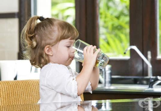 40 процента от хората не пият достатъчно вода - изображение