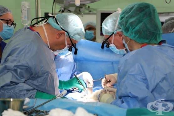 Хирурзи от две болници оперираха бебе с рядък рак на черния дроб - изображение