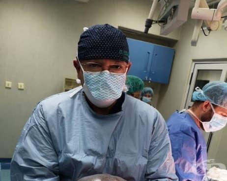 Хирурзи от ВМА премахнаха огромно туморно образувание от корема на жена - изображение