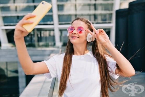 Дългите часове в социалните мрежи увеличават риска от самоубийство при момичетата  - изображение