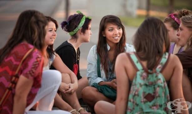 Груповата терапия е най-добрият избор за подкрепа и помощ на тийнейджъри с проблеми в социалния живот - изображение