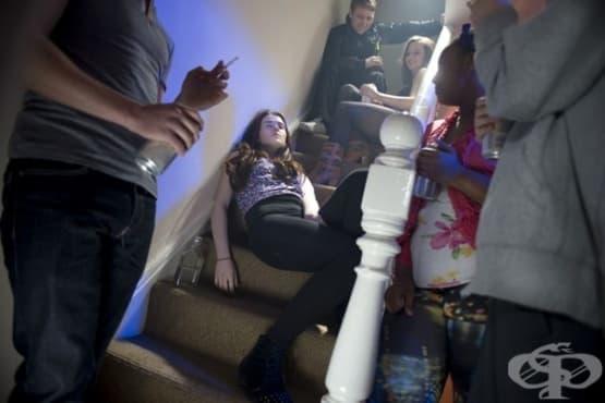 Науката обяснява защо тийнейджърите вземат лоши решения - изображение