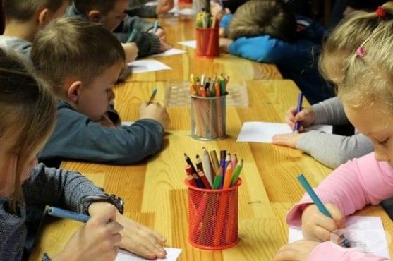 Вирусът, децата и COVID-19 - мерките в училище, маските и ваксините - изображение