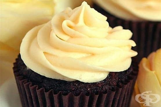 Шоколадови кексчета с ванилов крем маскарпоне - изображение