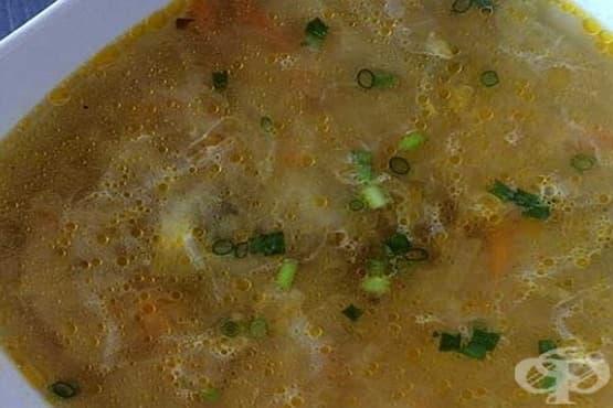 Супа от бели гъби с моркови и грис - изображение