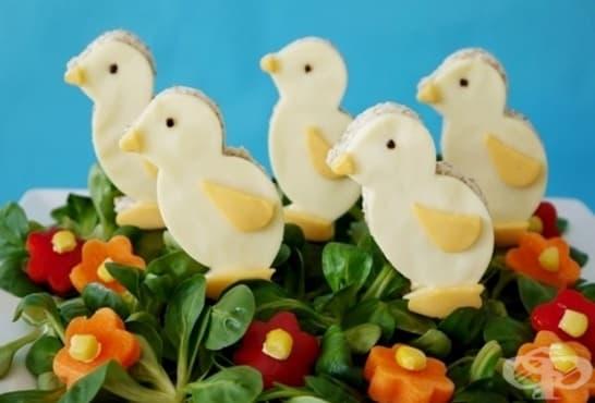 Пъстра пролетна салата с пиленца - изображение