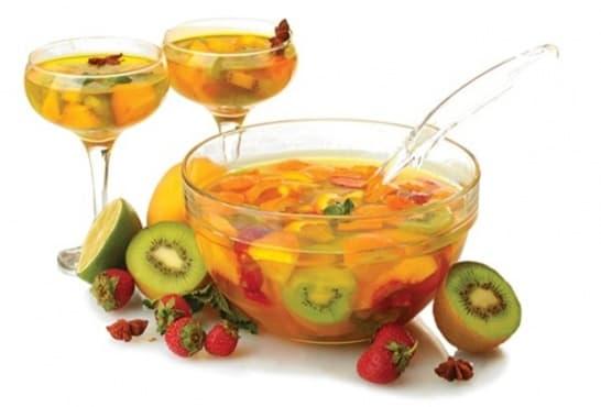 Плодово безалкохолно с газирана вода - изображение