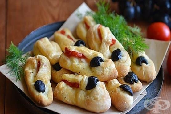 Мини фокачи с кашкавал и маслини - изображение