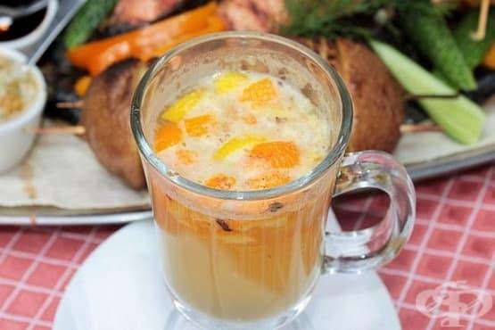 Портокалов глинтвайн с бяло вино, канела и лимон - изображение