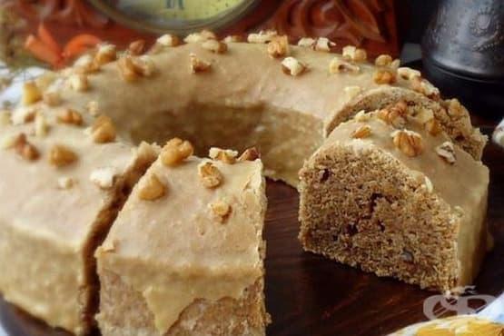 Орехов кекс с кафе - изображение