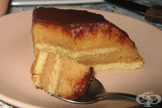 Грис-сладкиш с бисквити, прясно мляко и шоколадова глазура - изображение
