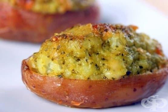 Пълнени картофи с гъби, лук, сметана и кашкавал - изображение