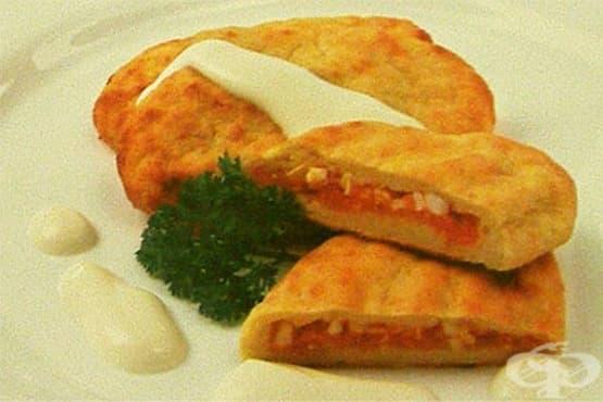 Картофени питки с моркови и сварени яйца - изображение