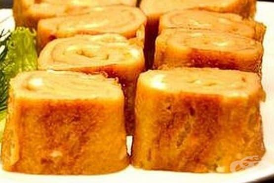 Сладък омлет със стафиди и канела - изображение