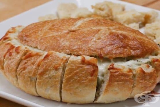 Пълнен хляб със спанак, артишок и сирена - изображение
