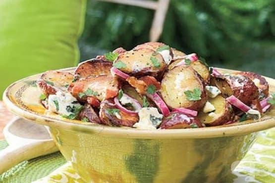 Картофи на грил с майонеза, зелен лук и балсамов оцет - изображение