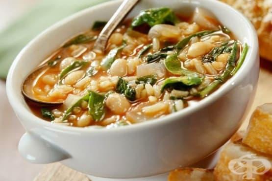 Супа с боб, ориз и спанак - изображение